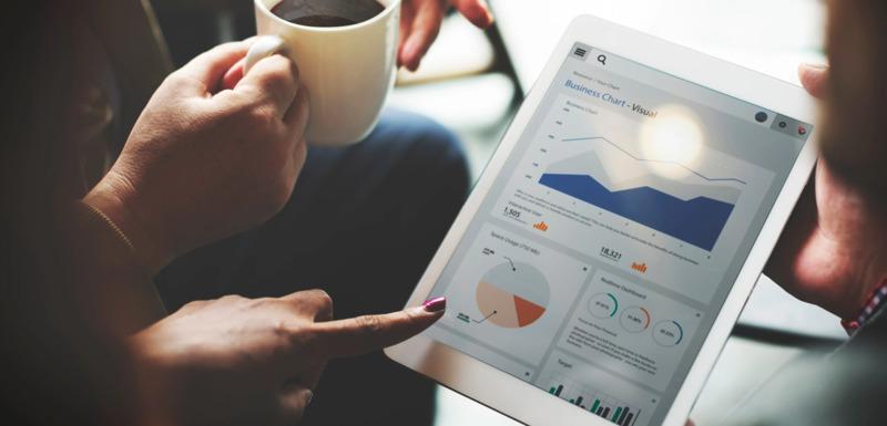 Đánh giá các dữ liệu về người dùng để xác định xem doanh nghiệp nên thực hiện chiến dịch bằng hình thức nào