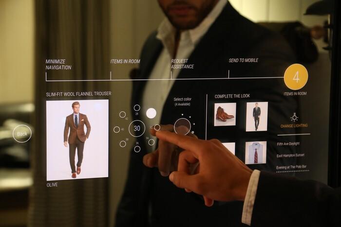 Hệ thống dữ liệu khách hàng của các thương hiệu bán lẻ mang đến những trải nghiệm mua sắm kết hợp kỹ thuật số cho người mua hàng
