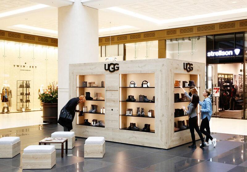 Mô hình pop-up store tạm thời sẽ giúp bạn tiếp cận dễ dàng với khách hàng tiềm năng