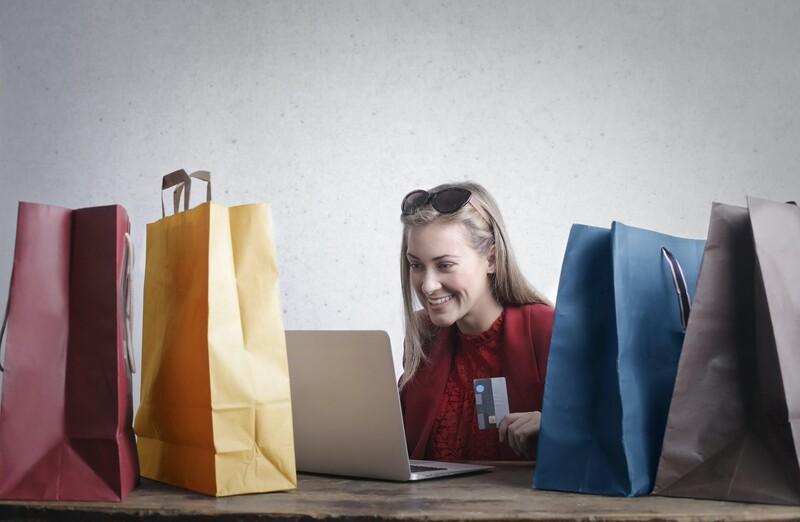Áp dụng linh hoạt hình thức mua 1 tặng 1 cho trang bán hàng trực tuyến để đảm bảo thu hút khách hàng