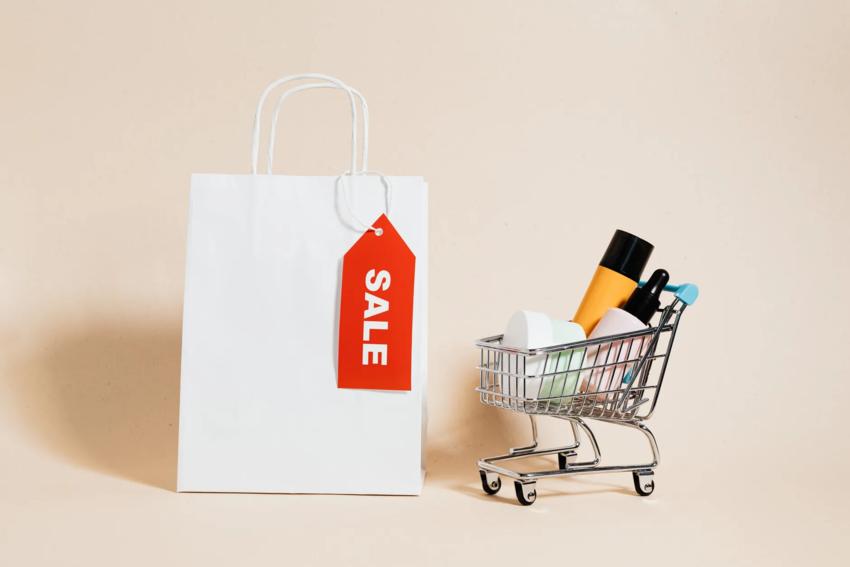 Nhóm khách hàng săn giảm giá có thể được tiếp cận bằng cách chứng minh rằng họ sẽ tiết kiệm hơn khi họ mua hàng của bạn