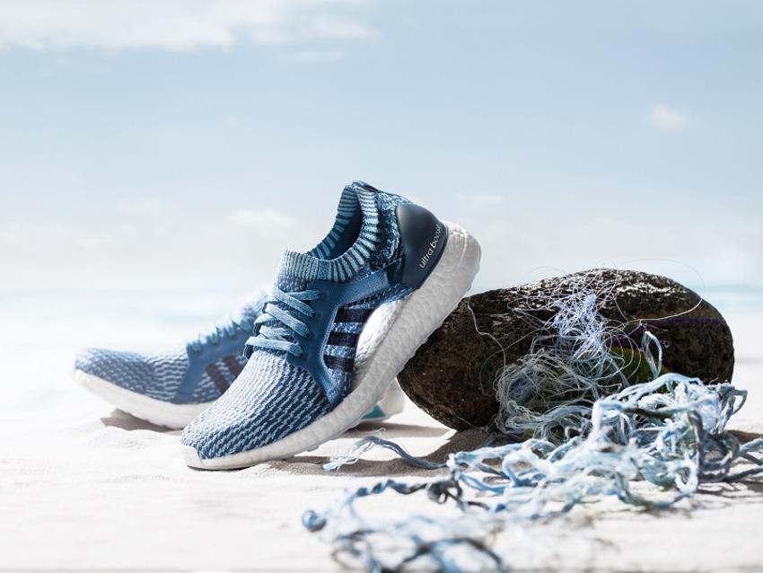 Adidas cho ra đời dòng sản phẩm giày từ nhựa biển để khẳng định vai trò và trách nhiệm xã hội của thương hiệu