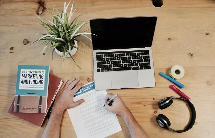 Muốn phát triển chiến lược tiếp thị bán lẻ hiệu quả thì phải tập trung vào những yếu tố khác biệt để thu hút khách hàng