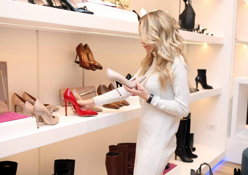 Ngành hàng giày dép rất sôi động nhưng cũng đòi hỏi những điều kiện khắt khe