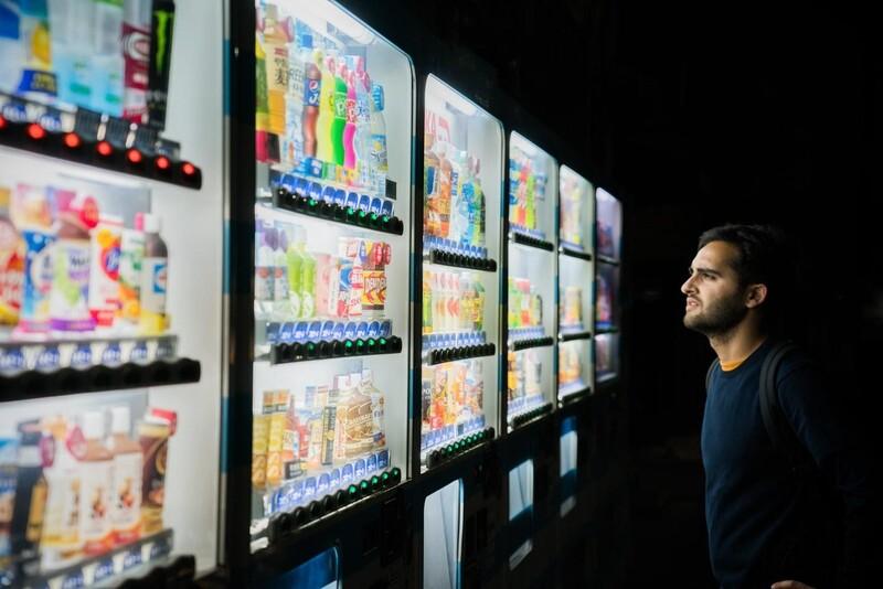 Máy bán hàng tự động không hề xa lạ với nhiều người