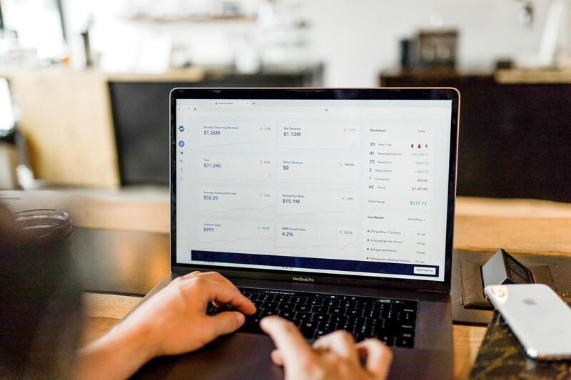 RFID và các phần mềm quản lý online đóng vai trò thiết yếu trong bán lẻ toàn cầu