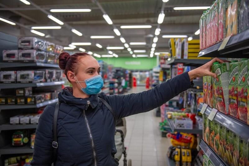 Tuân thủ các quy định phòng dịch sẽ giúp khách hàng an tâm khi mua sắm tại cửa hàng của bạn